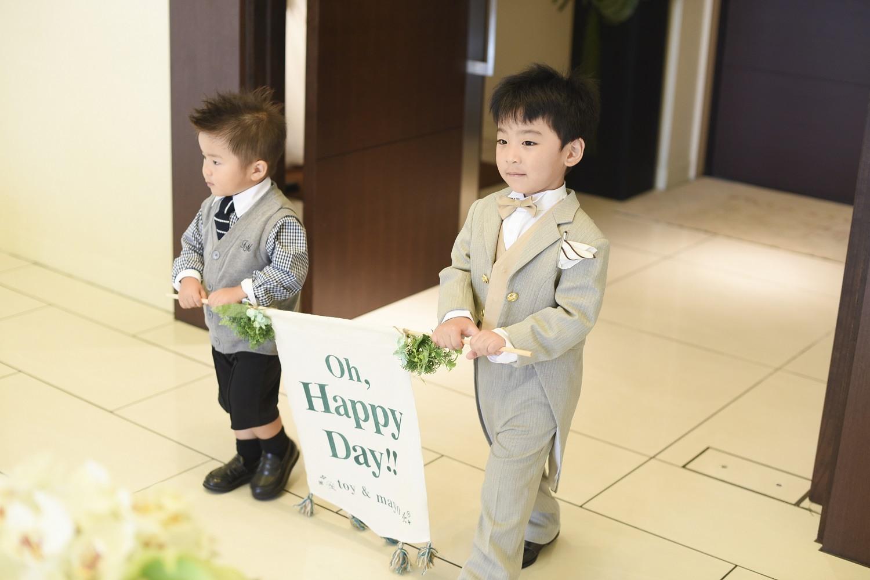 高松市の結婚式場アイルバレクラブの挙式にフラッグボーイ