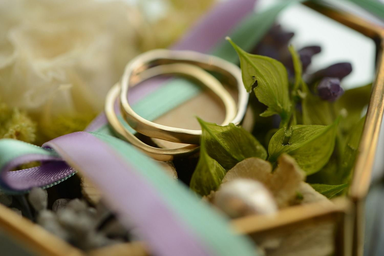 高松市の結婚式場アイルバレクラブの結婚指輪とリングピロー