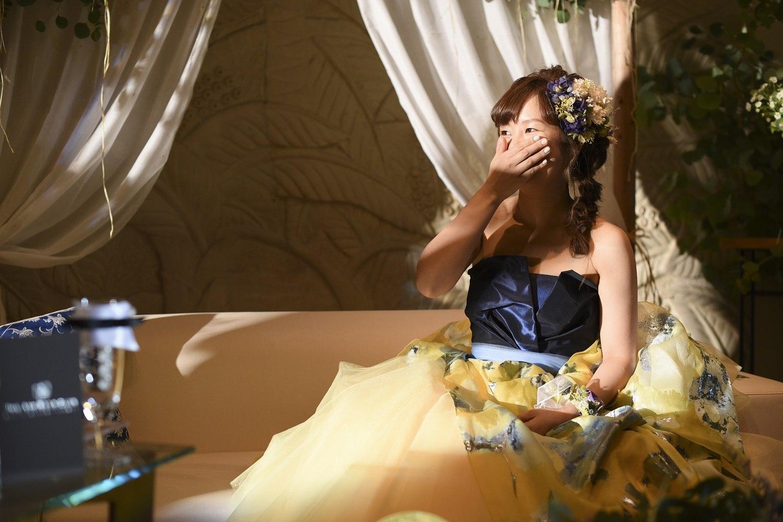 高松市の結婚式場アイルバレクラブの新郎からの手紙に新婦感動