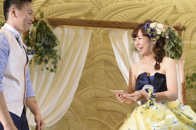 高松市の結婚式場アイルバレクラブで新郎から新婦にプレゼント