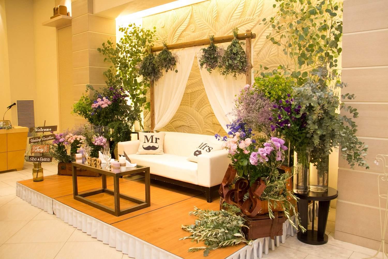 高松市の結婚式場アイルバレクラブの披露宴会場の高砂装飾