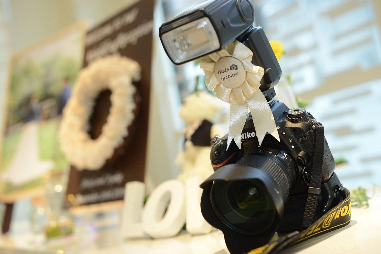 高松市の結婚式場アイルバレクラブの結婚式でカメラを装飾し展示