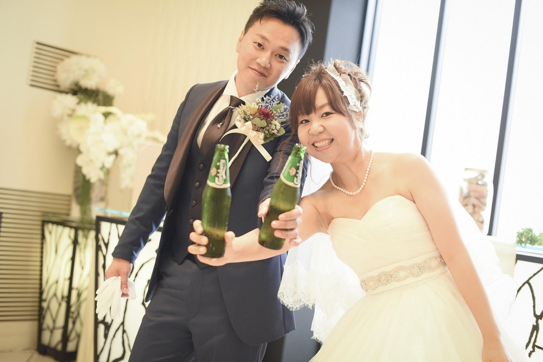 高松市の結婚式場アイルバレクラブのチャペルでビール