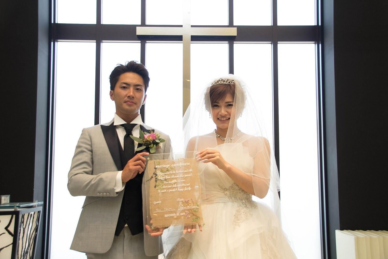 高松市の結婚式場アイルバレクラブの人前式での誓いシーン