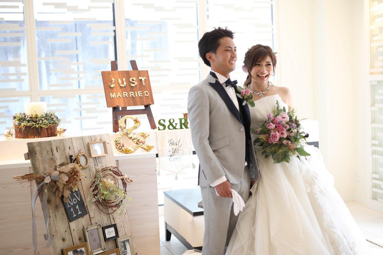 高松市の結婚式場アイルバレクラブの新郎新婦の入場シーン前