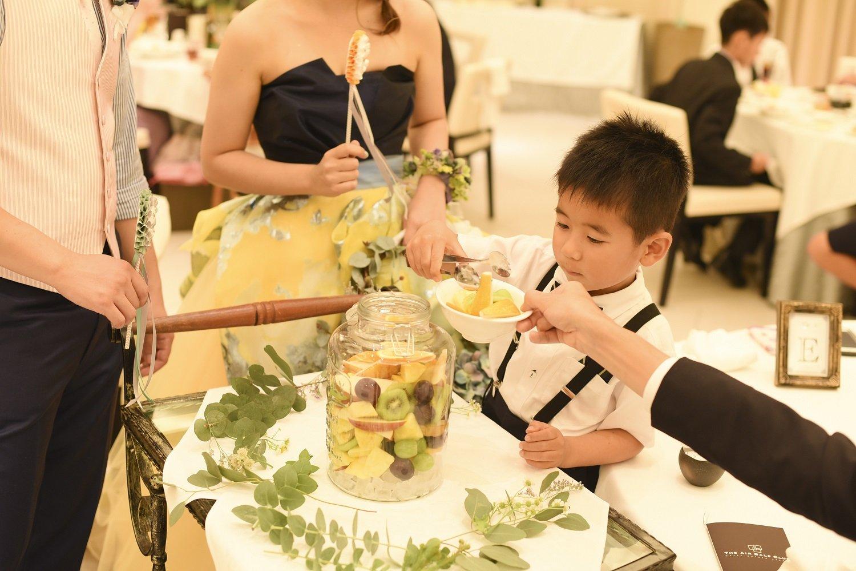 高松市の結婚式場アイルバレクラブの果実酒を使った演出