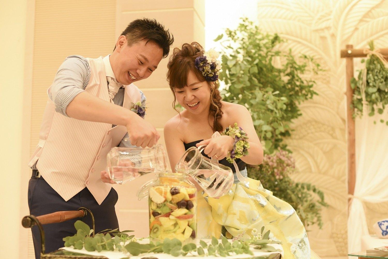 高松市の結婚式場アイルバレクラブの果実酒を使った披露宴の演出