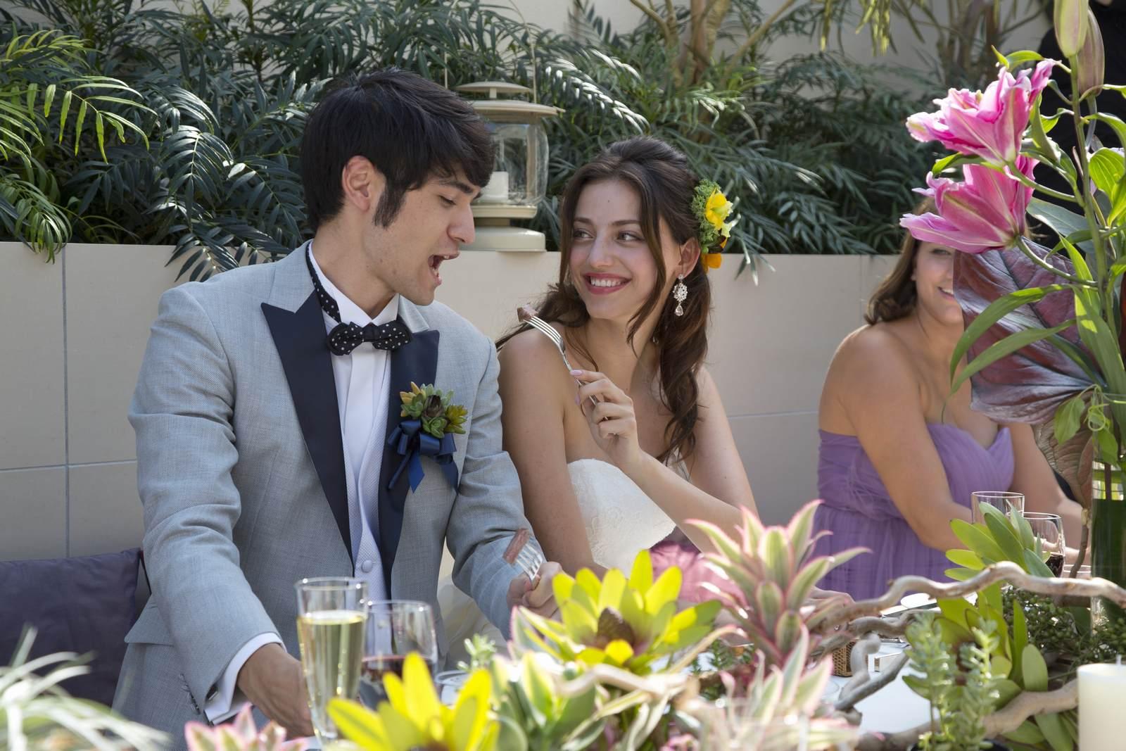 高松市の結婚式場アイルバレクラブのガーデンでのパーティ