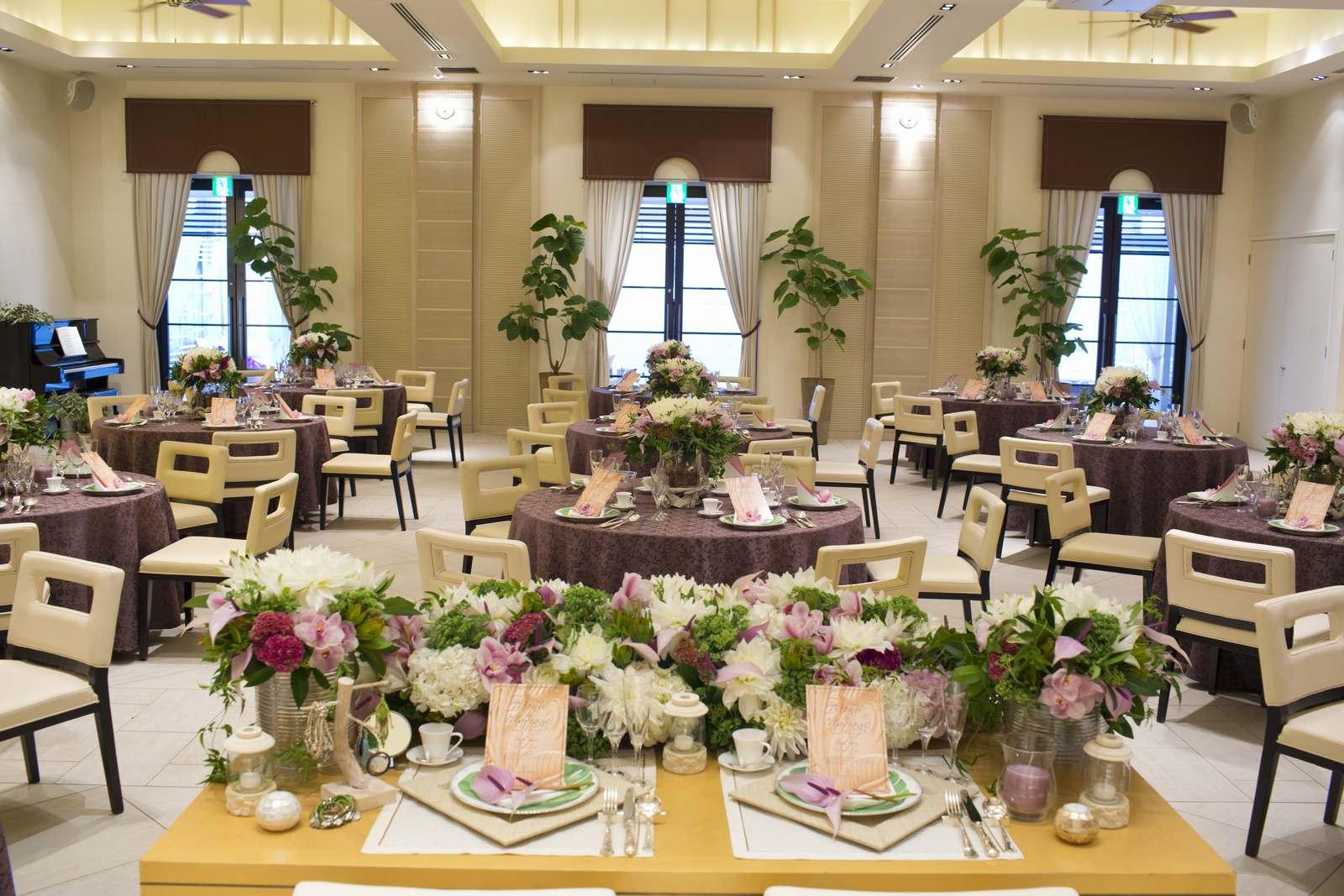 高松市の結婚式場アイルバレクラブのプラウの会場コーディネート