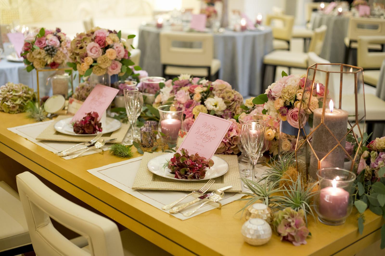 高松市の結婚式場アイルバレクラブのプラウの高砂コーディネート