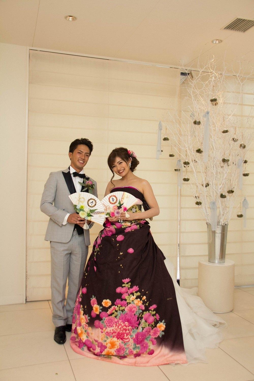高松市の結婚式場アイルバレクラブで和風ドレスを着ての記念写真
