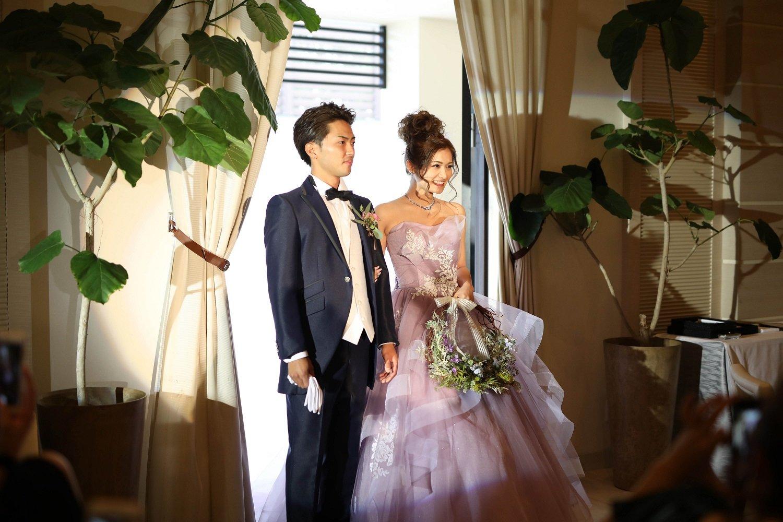 高松市の結婚式場アイルバレクラブの新郎新婦入場シーン