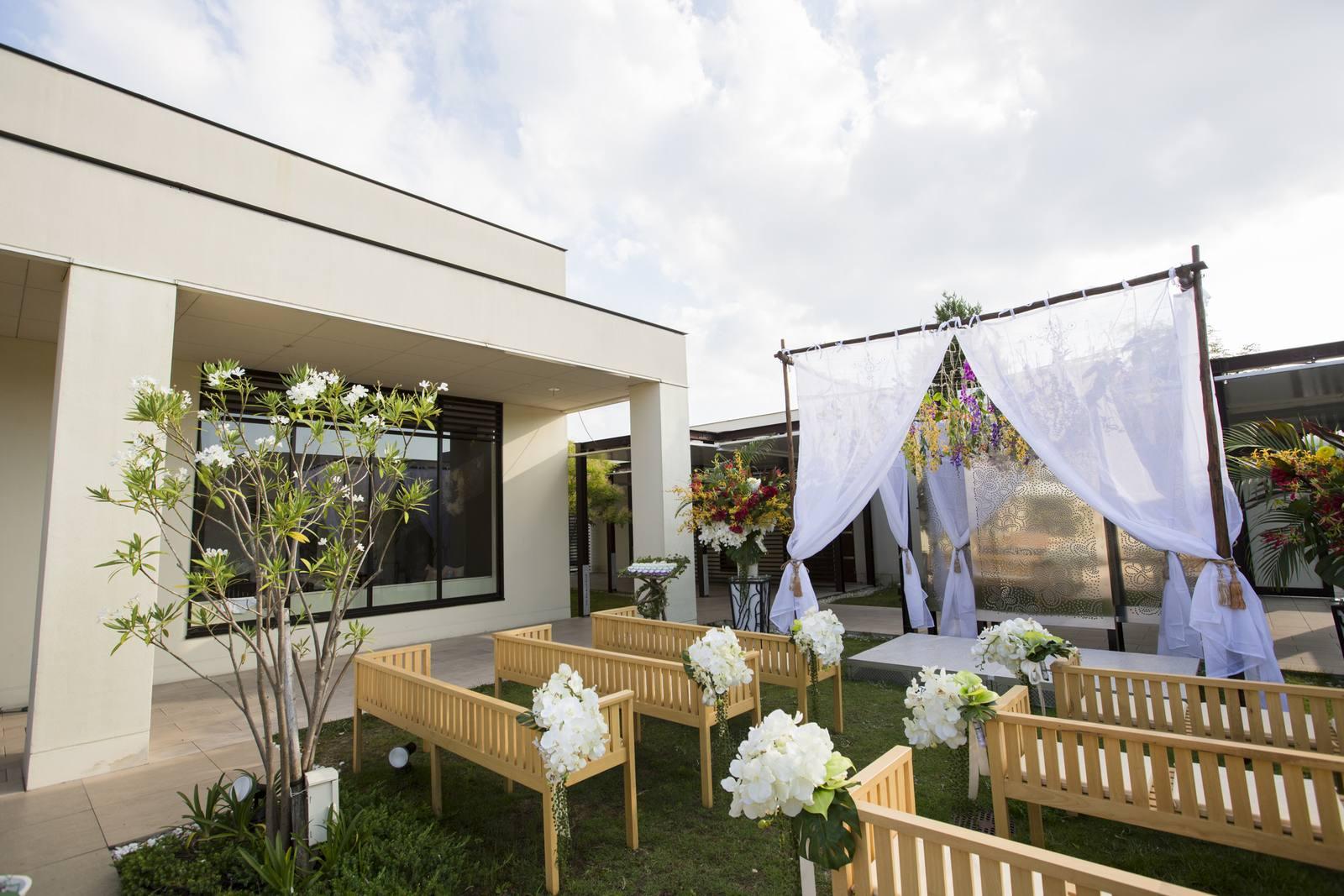 高松市の結婚式場アイルバレクラブのガーデンウェディング