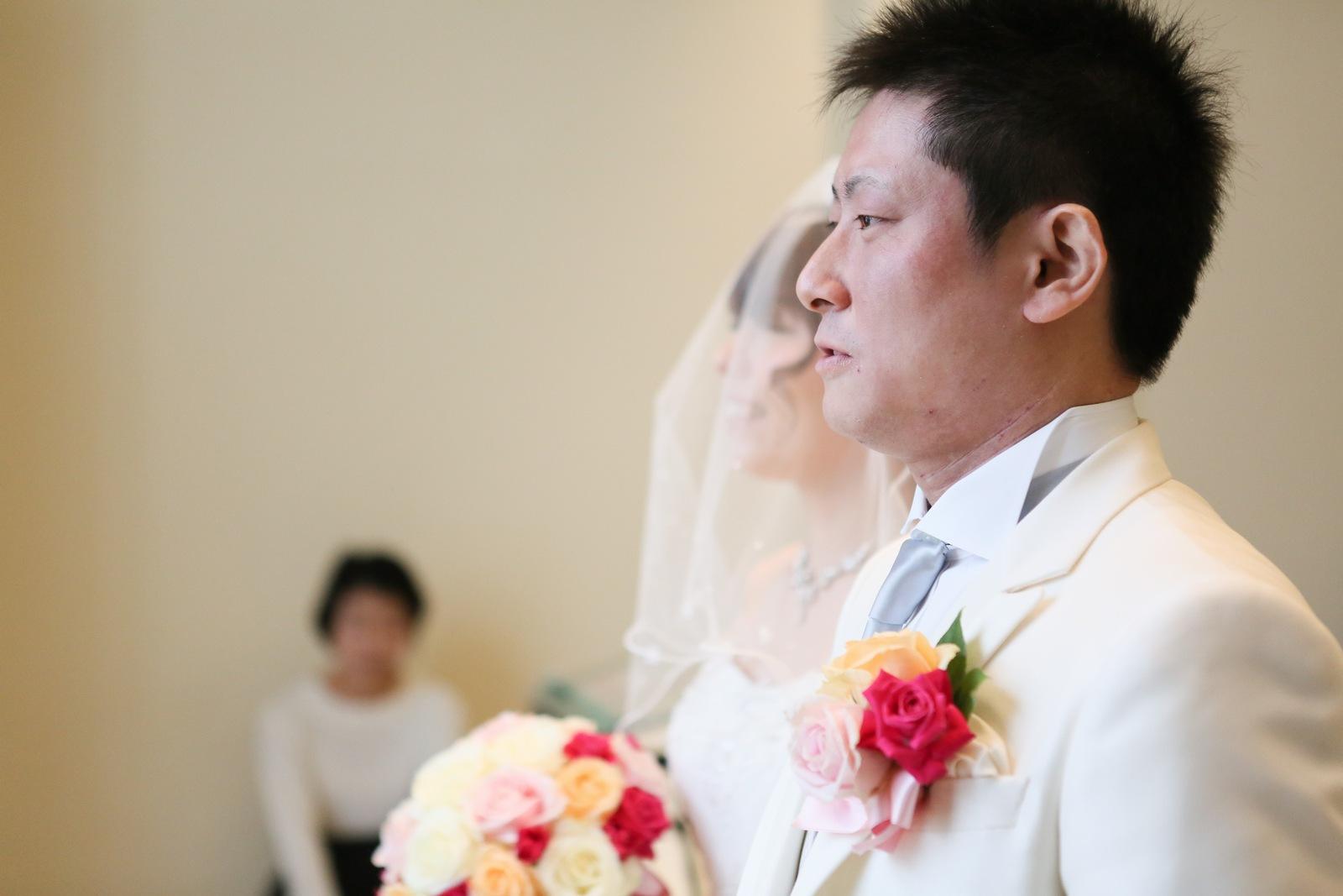 高松市の結婚式場アイルバレクラブのチャペル入場シーン