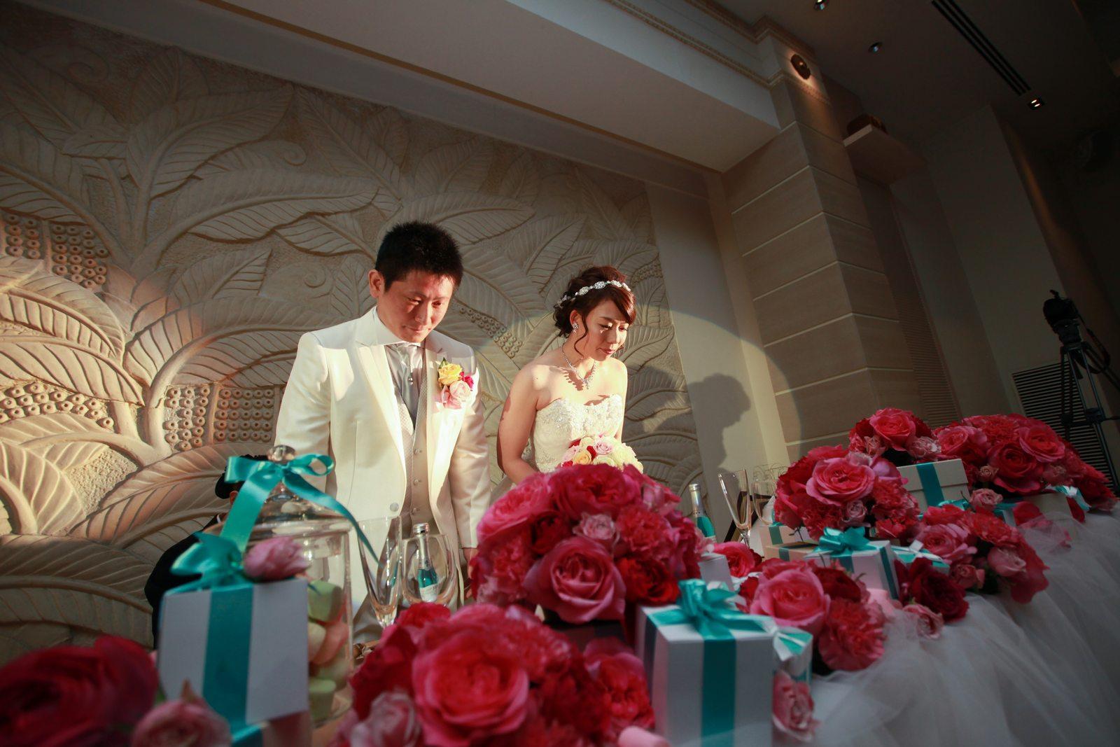 高松市の結婚式場アイルバレクラブのメインテーブル装飾