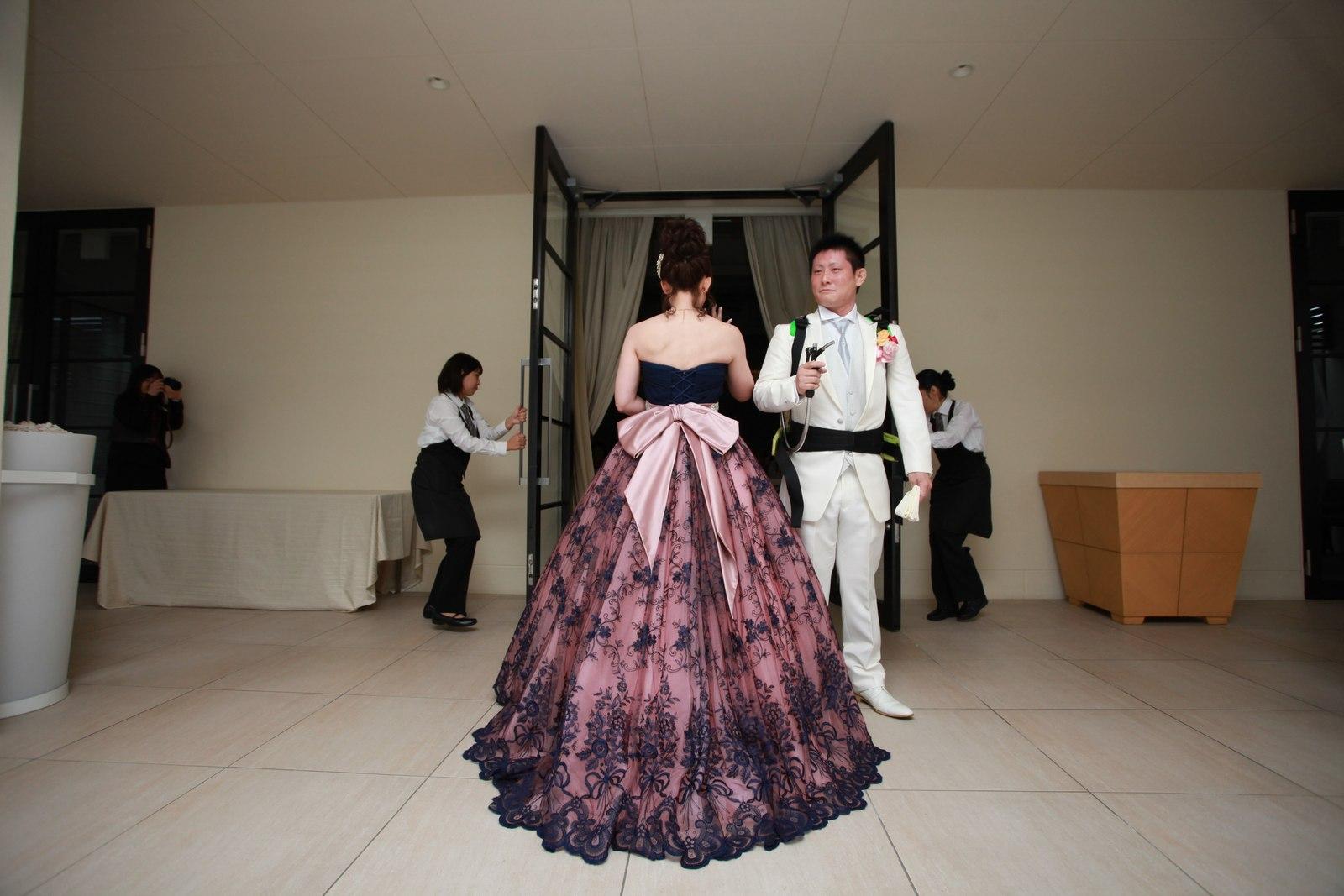 高松市の結婚式場アイルバレクラブのテラスから再入場