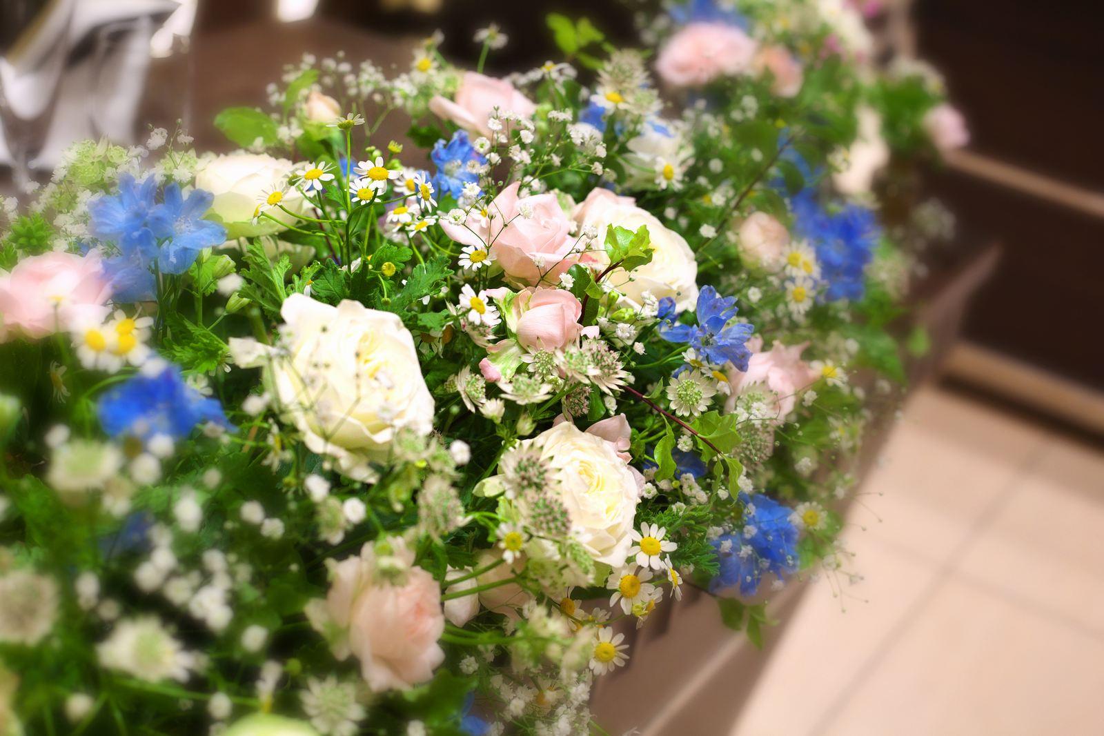 高松市の結婚式場アイルバレクラブのメイン装花