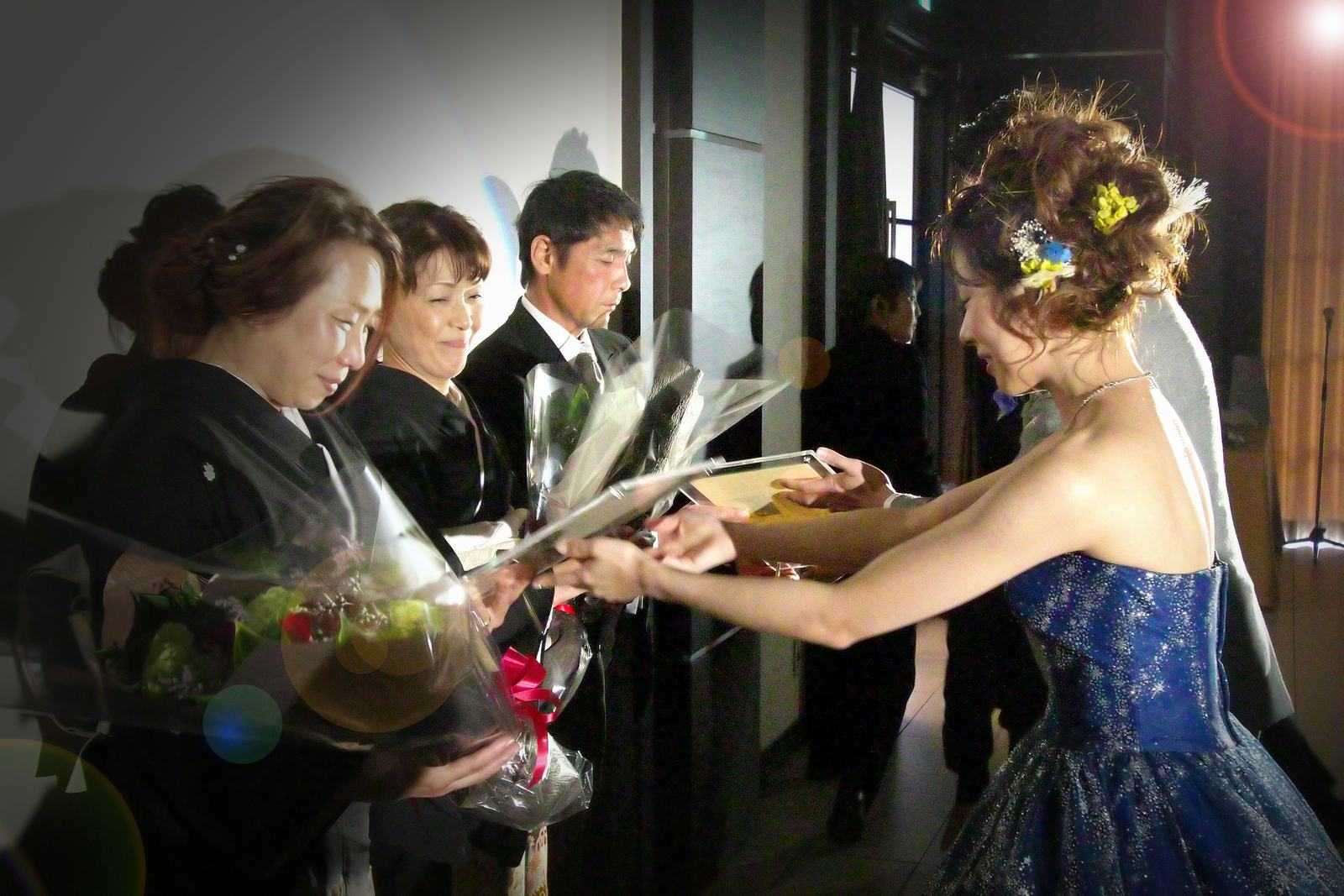 高松市の結婚式場アイルバレクラブの贈呈