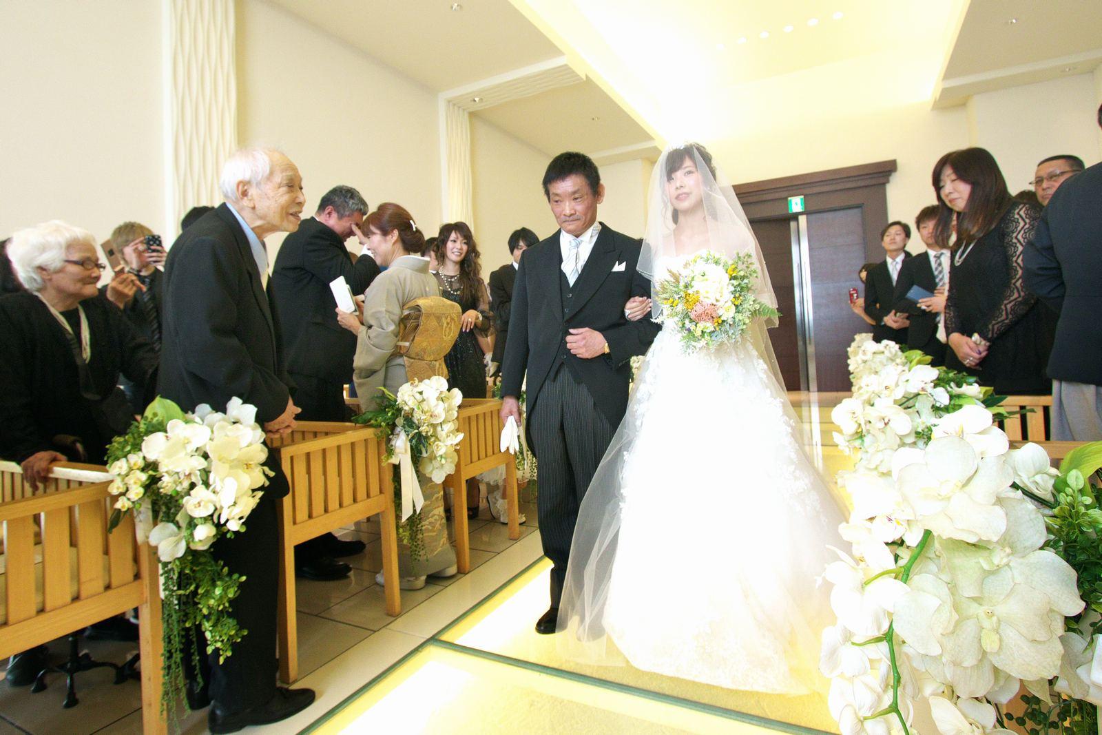 高松市の結婚式場アイルバレクラブの入場