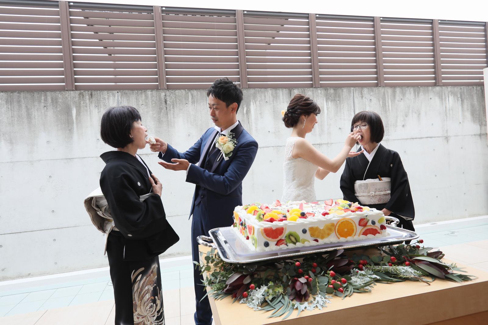 高松市の結婚式場アイルバレクラブのウェディングケーキ お母様への感謝の気持ちを込めたサンクスバイト