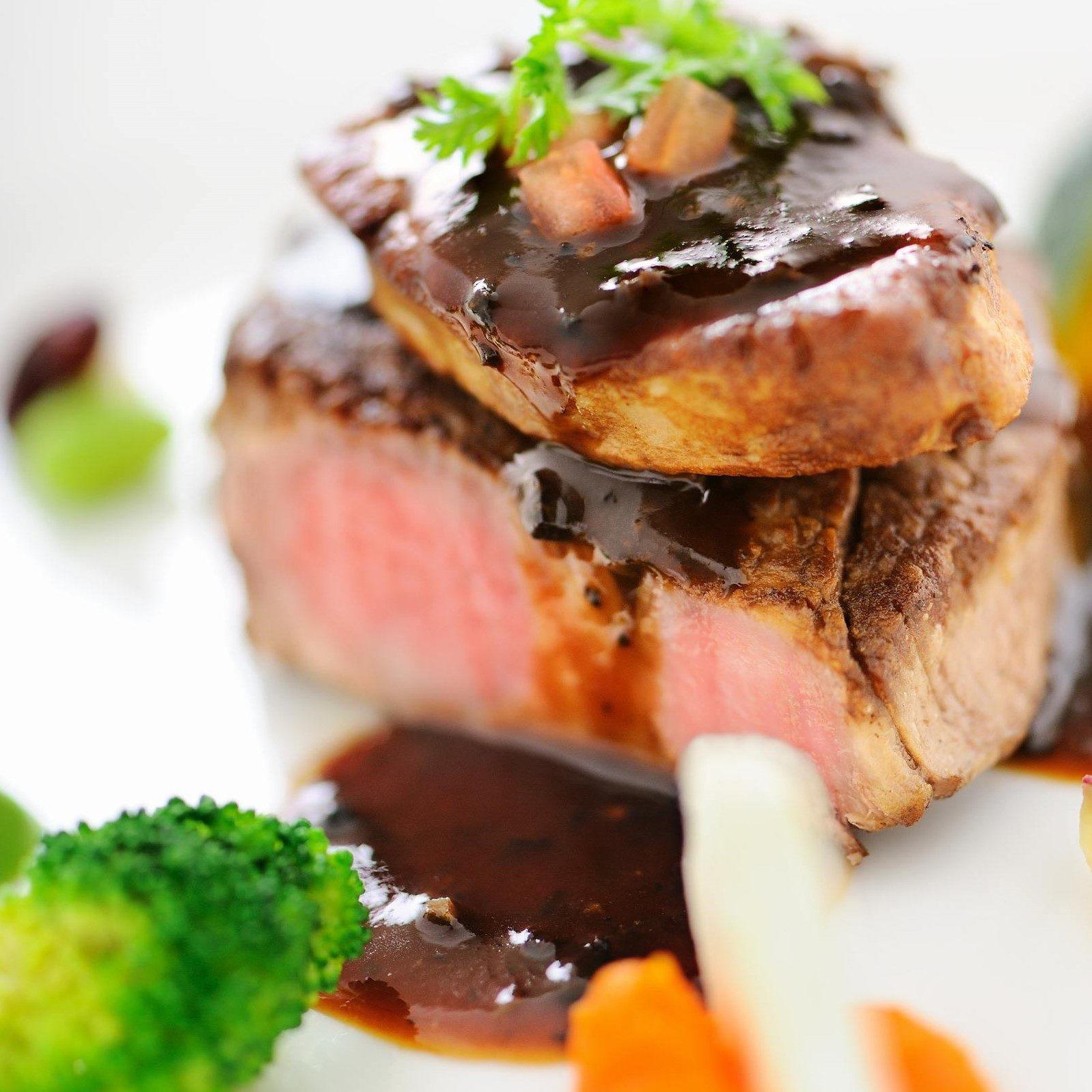 高松市の結婚式場アイルバレクラブの肉料理
