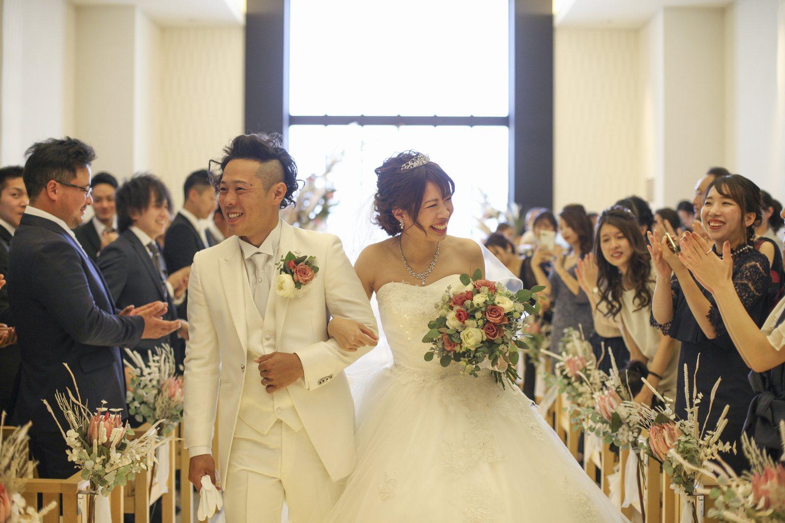 高松市の結婚式場アイルバレクラブ 挙式退場