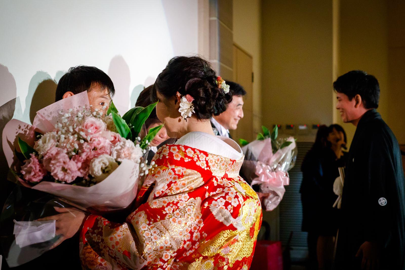 高松市の結婚式場アイルバレクラブ 記念品贈呈