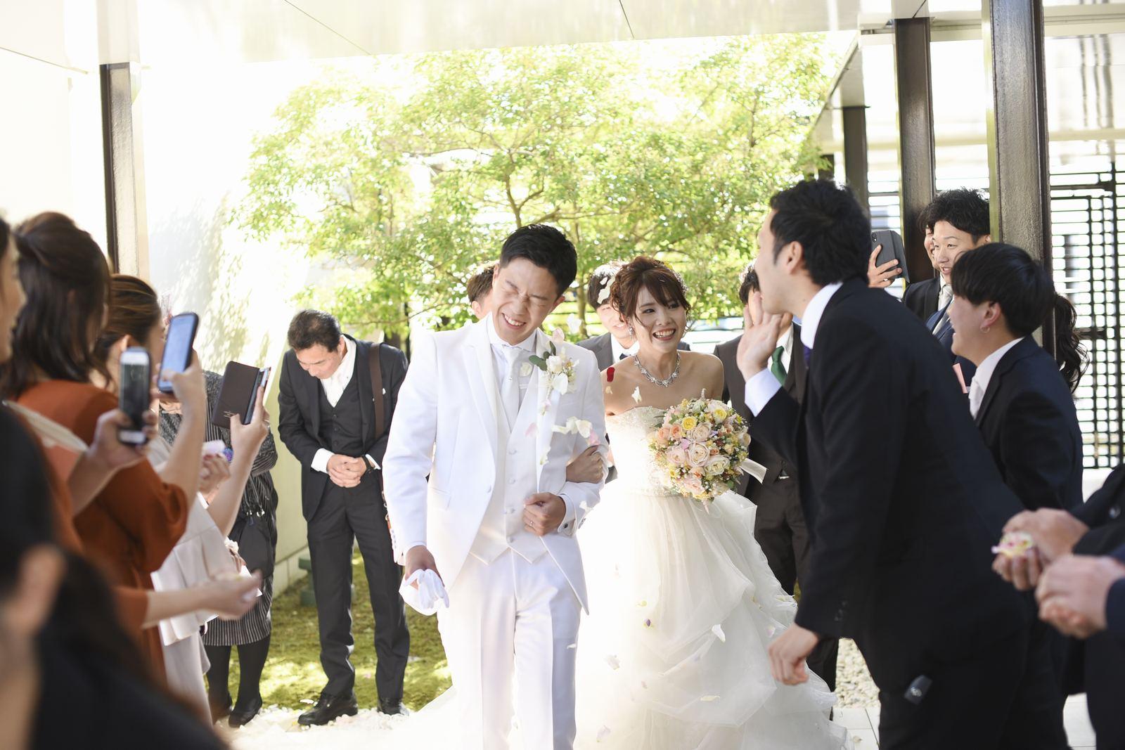 高松市の結婚式場アイルバレクラブ フラワーシャワー