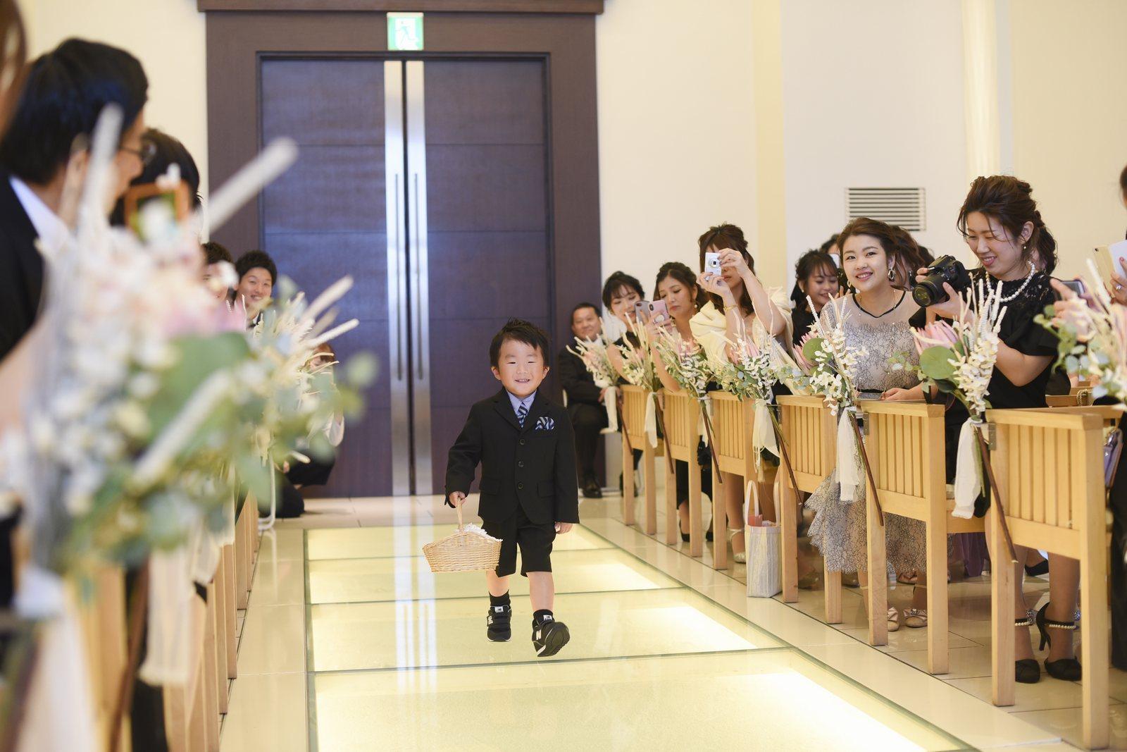 高松市の結婚式場アイルバレクラブ リングボーイ
