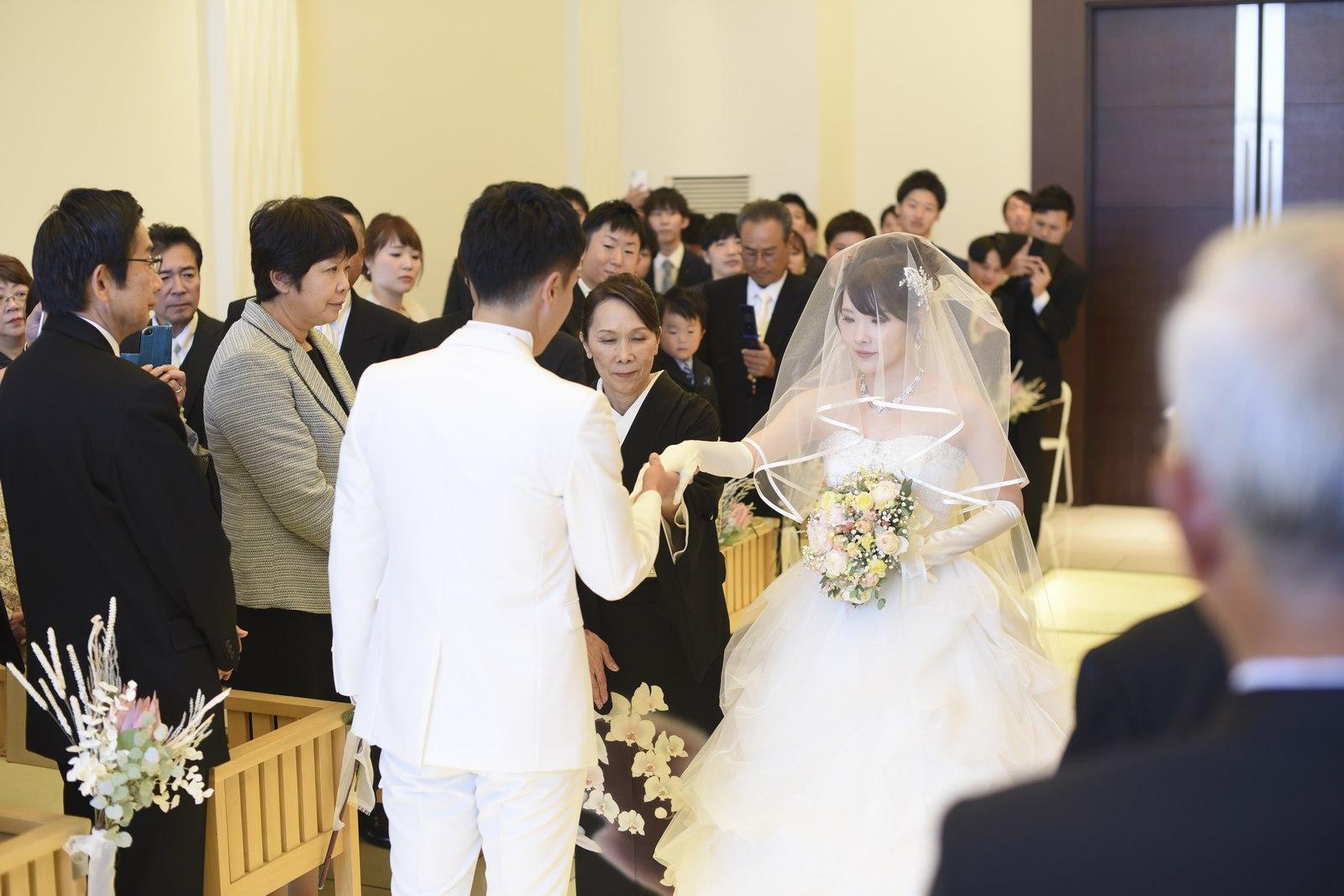 高松市の結婚式場アイルバレクラブ バージンロード