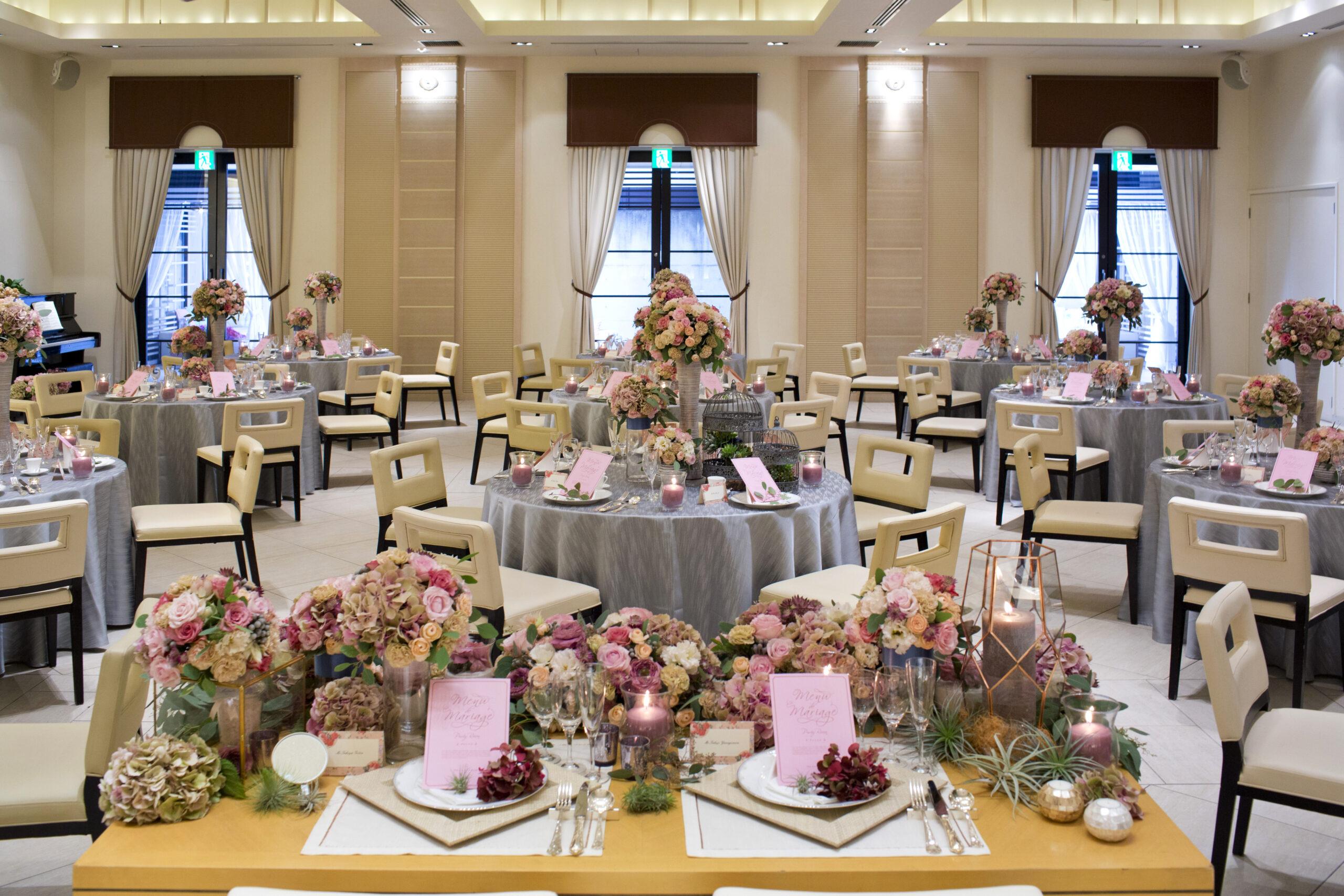 高松市の結婚式場のアイルバレクラブのパーティ会場